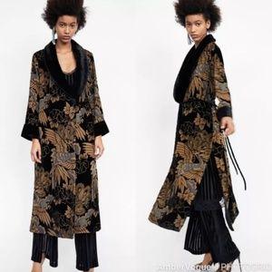 Zara NWOT Velvet Kimono w Removable Fur Collar
